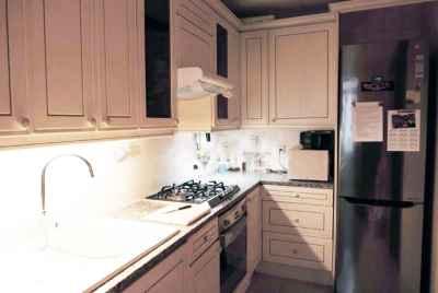 Appartement en bon état situé au niveau de Sant Antoni à Barcelone.